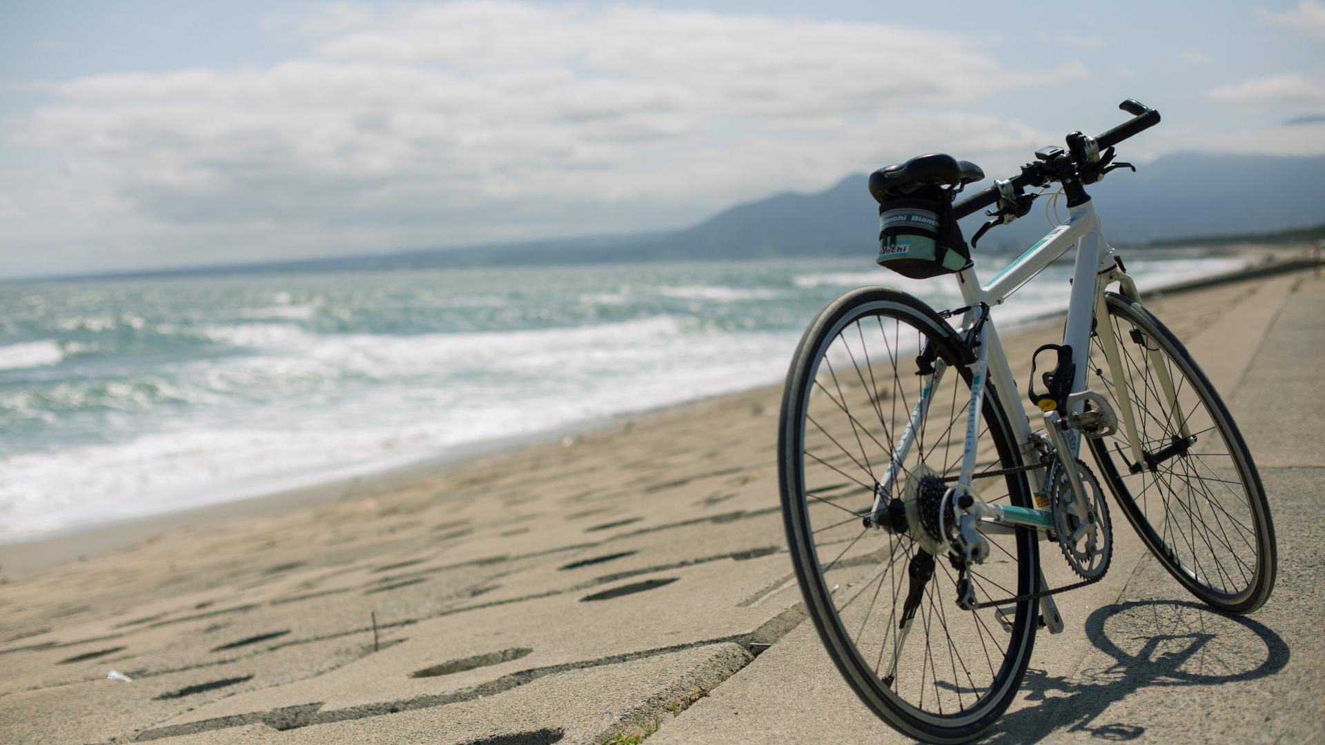 海沿いでのサイクリング